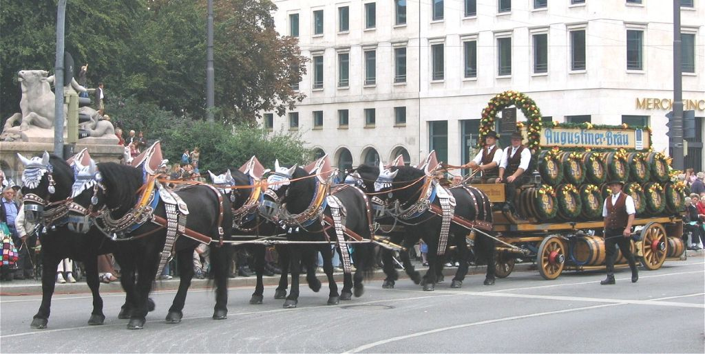 Brauereiwagen_Augustinerbraeu-1