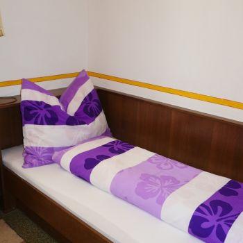 Schlafzimmer für Kinder ( 2 getrennte Betten)